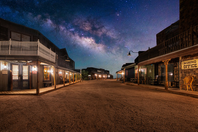 Night at Tombstone Monument Ranch